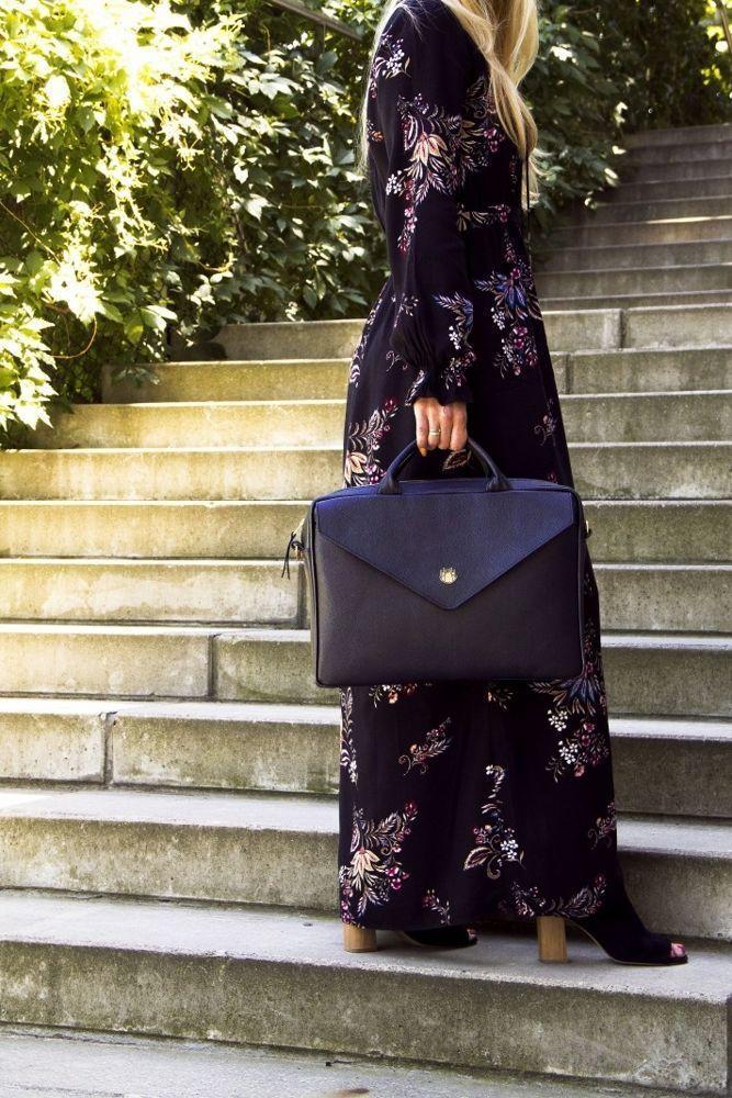 dfe3c6ddaa490 Genuine leather woman s laptop bag FL15 Positano black - online ...