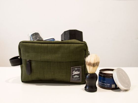d381f32be835 Material men's beauty bag SOLIER SK03 green